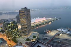Vista aerea del posto del Canada alla notte a Vancouver Fotografie Stock