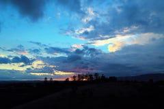 Vista aerea del tramonto fantastico in campagna fotografie stock