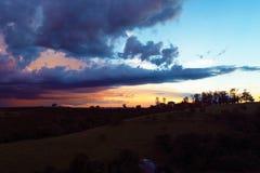 Vista aerea del tramonto fantastico in campagna fotografia stock libera da diritti