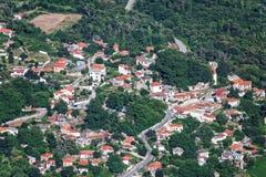 Vista aerea del villaggio di Drakeia, Pelio, Grecia Fotografia Stock Libera da Diritti