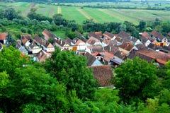 Vista aerea del villaggio Ungra, la Transilvania Immagini Stock