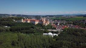 Vista aerea dell'abbazia di Melk, Austria video d archivio