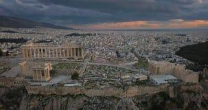 Vista aerea dell'acropoli di Atene al tramonto archivi video