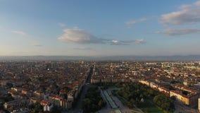 Vista aerea dell'europa orientale della Bulgaria del centro urbano di Sofia archivi video