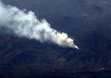 Vista aerea dell'incendio forestale immagini stock libere da diritti