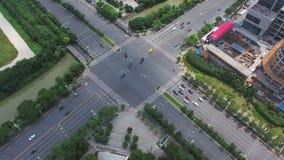 Vista aerea dell'intersezione di traffico a Nanchino, porcellana stock footage