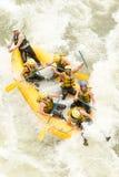 Vista aerea della barca di rafting del fiume di Whitewater Immagini Stock Libere da Diritti