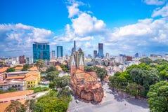 Vista aerea della basilica della cattedrale di Notre-Dame di Saigon immagini stock libere da diritti