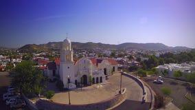 Vista aerea della chiesa video d archivio