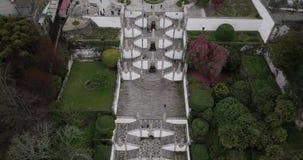 Vista aerea della chiesa e delle scale di Bom Gesù a Braga Portogallo stock footage