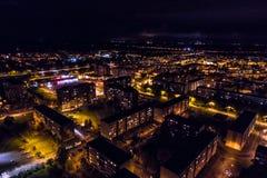 Vista aerea della città alla notte Fotografie Stock