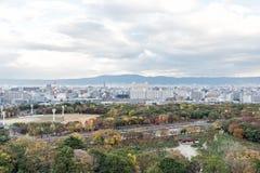Vista aerea della città in autunno, Kansai, Giappone di Osaka Fotografia Stock