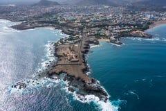 Vista aerea della città della Praia a Santiago - la capitale di Capo Verde è fotografia stock libera da diritti