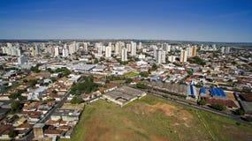 Vista aerea della città di Aracatuba nello stato di Sao Paulo in Brazi fotografie stock libere da diritti