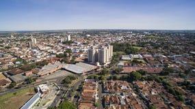 Vista aerea della città di Aracatuba nello stato di Sao Paulo in Brazi immagini stock
