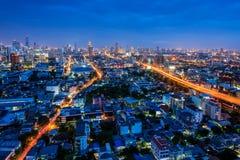 Vista aerea della città di Bangkok a penombra, distretto aziendale Immagine Stock Libera da Diritti