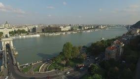 Vista aerea della città di Budapest Paesaggio urbano e Parlamento di panorama video d archivio