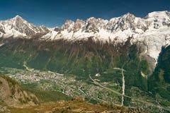 Vista aerea della città di Chamonix in montagne Fotografia Stock Libera da Diritti