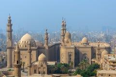 Vista aerea della città di Il Cairo da Salah Al Deen Citadel Cairo Citadel con Sultan Hassan e Al Rifai Mosques, Il Cairo, Egitto fotografia stock libera da diritti
