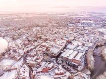 Vista aerea della città inglese storica nevosa, Shrewsbury Fotografia Stock