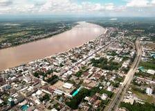 Vista aerea della città lungo il Mekong Fotografia Stock
