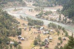 Vista aerea della città nella regione del Kashmir fotografie stock