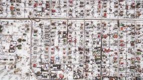 Vista aerea della città suburbana nell'inverno Immagini Stock