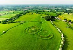Vista aerea della collina di Cesalpina, un complesso archeologico, contenente una serie di monumenti antichi, contea Meath, Irlan immagini stock libere da diritti
