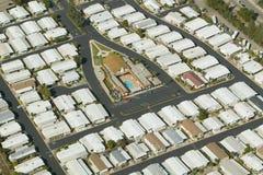 Vista aerea della comunità senior di pensionamento delle case mobili in Ventura County, Ojai, CA Fotografie Stock