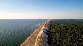 Vista aerea della costa atlantica selvaggia in La Tremblade immagine stock libera da diritti