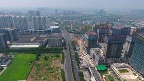 Vista aerea della costruzione e della città di Nanchino stock footage
