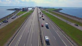 Vista aerea della diga in Kronshtadt archivi video