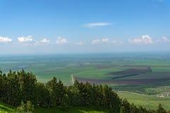 Vista aerea della foresta delle montagne della valle Fotografia Stock Libera da Diritti
