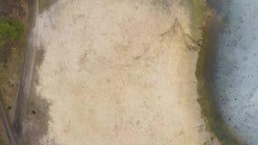 Vista aerea della foresta pino-decidua in molla in anticipo stock footage