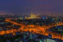 Vista aerea della giunzione della strada principale alla notte Fotografia Stock