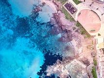 Vista aerea della linea costiera di Portopalo fotografie stock