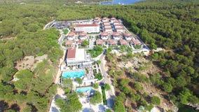 Vista aerea della località di soggiorno archivi video