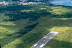 Vista aerea della pista di Homer Airport HOM in Homer Alaska fotografie stock