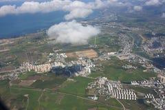 Vista aerea della residenza e del terreno coltivabile Immagine Stock