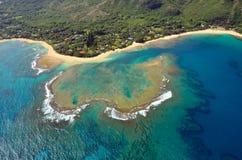 Vista aerea della spiaggia dei tunnel, Kauai Fotografia Stock Libera da Diritti