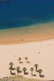 Vista aerea della spiaggia tropicale immagini stock libere da diritti