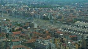 Vista aerea della stazione centrale a Milano archivi video