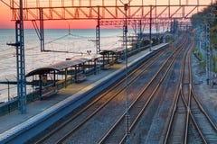 Vista aerea della stazione ferroviaria al tramonto Immagini Stock