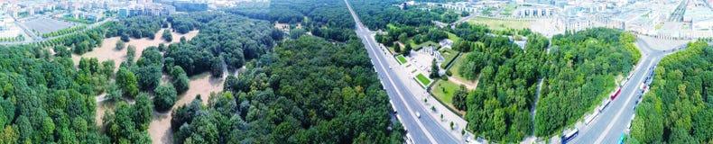 Vista aerea della strada dell'orizzonte di Berlino dal 17 giugno, Germania Fotografia Stock