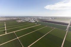 Vista aerea della terra dell'azienda agricola di California Immagine Stock