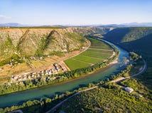 Vista aerea della valle bosniaca famosa accanto al fiume di Neretva in Bosnia-Erzegovina Fotografia Stock Libera da Diritti
