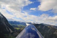 Vista aerea delle alpi dall'aeroplano Fotografie Stock Libere da Diritti