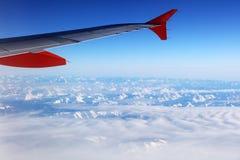 Vista aerea delle alpi svizzere dall'aereo Immagine Stock