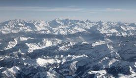 Vista aerea delle alpi svizzere dall'aereo Immagini Stock