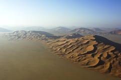 Vista aerea delle dune di sabbia allo sfregamento Al Khali Immagini Stock